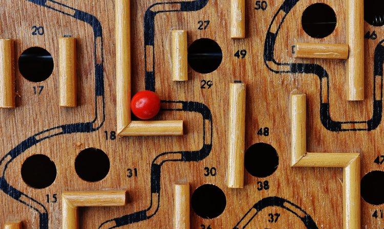 Spielzeug-Labyrinth: Wie finde ich einen Ausweg?
